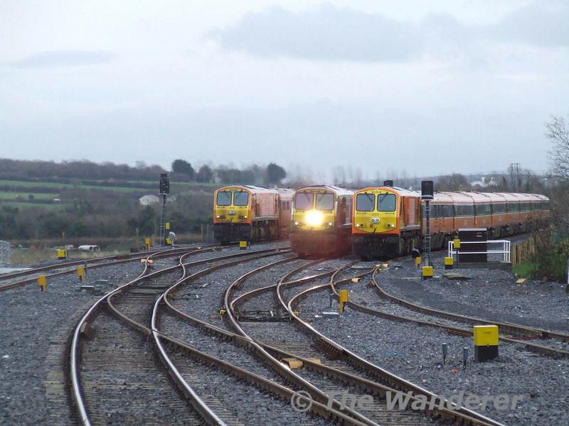 229 passes 204 and 203 in the loops at Portarlington. Sun 13.01.08