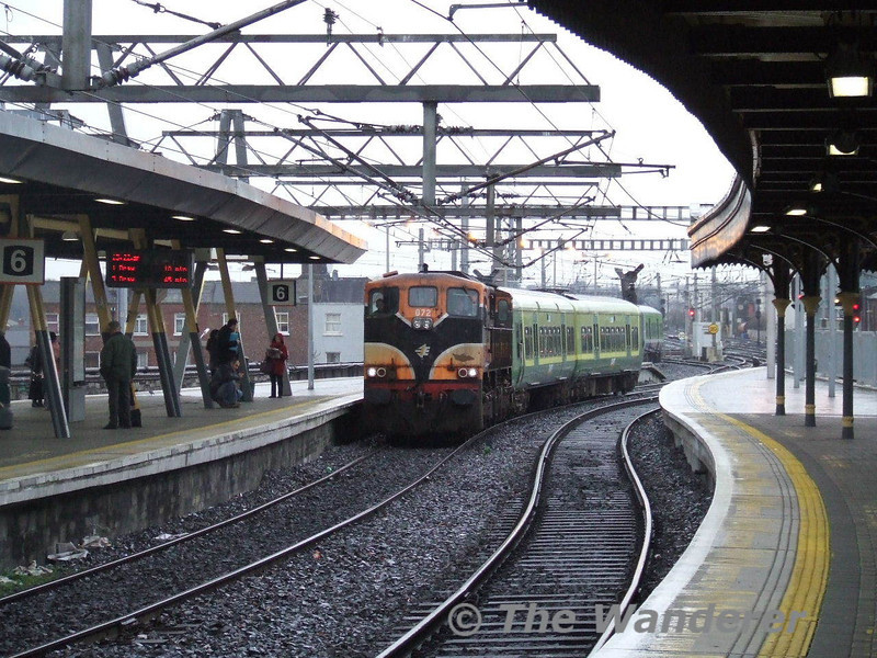 072 leads Class 8200 EMU No. 8205 through Connolly on a Inchicore - Pearse EMU transfer. Tues 15.01.08