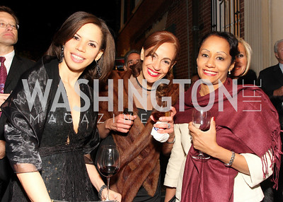 mariel vilchez, ada hernandez, erica alvarez, Photo by Tony Powell