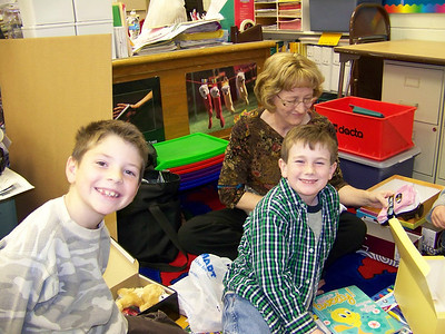 '08 Maple Elementary Christmas Fun!