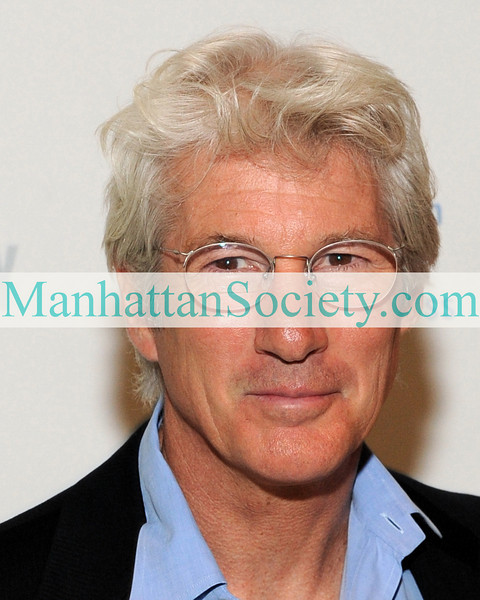 Richard Gere attends the 14th Annual ARTWALK NY at the Metropolitan Pavilion on November 3, 2008 in New York City.