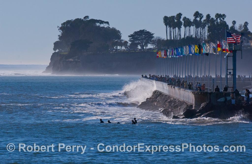 surfers sandspit 2008 01-13 SB Harbor -515