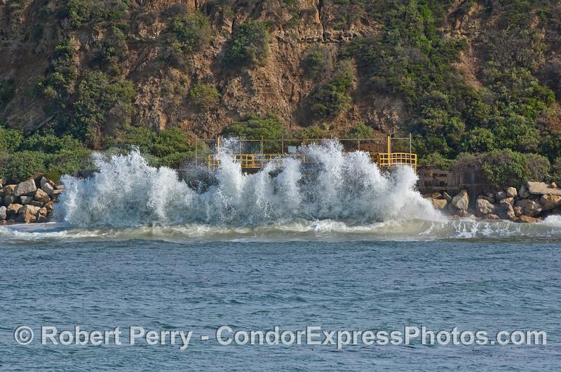waves crash agains seawall 2008 02-23 Sta Barbara -- 079
