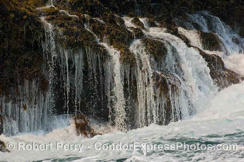 Intertidal waterfalls 2008 06-25 Sta Cruz Isl--124mod