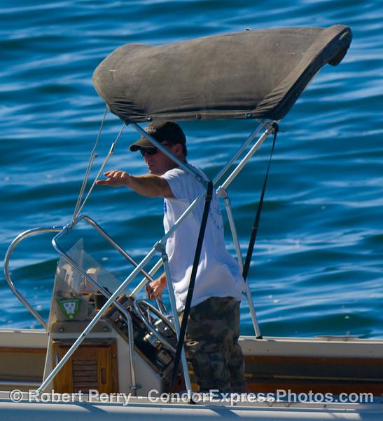 Captain Dave Beezer signals for a left turn 2008 10-14 SB Channel - 3360modCROP