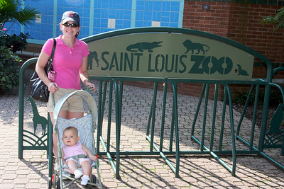 Anna's first visit to the zoo!