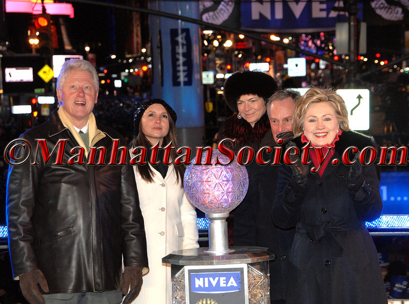 NEW YORK-DECEMBER 31:  Former President Bill Clinton, Georgina Bloomberg, Diana Taylor, New York City Mayor Michael Bloomberg and Senator Hillary Clinton at 2009 Times Square New Years Eve Celebration Presented by Times Square Alliance at the crossroads of the world, Duffy Island, between 46th and 47th Street in Times Square, New York City on  Wednesday, December 31, 2008 (Photo Credit: Christopher London/ManhattanSociety.com)