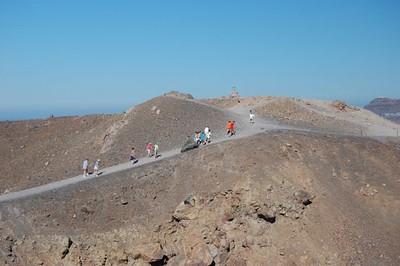 On the trek to the volcano - Marguerite Vera