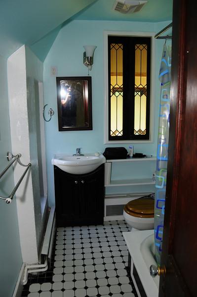 Jamestown Sunday 8-24-08<br /> <br /> Upstairs bathroom. Upstairs was 3 bedrooms, 1 bathroom.