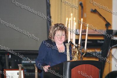 Regina McGrade welcomes everyone to the Greater Hudson Valley Family Health Center's 9th Annual Pillars of the Community Gala held at Anthony's Pier 9 on Saturday, November 8, 2008.