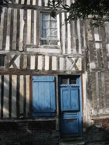 Doorway in Honfleur - Lydia Osborne