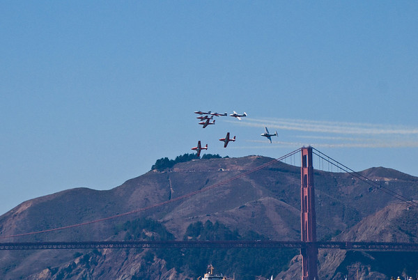 Pre-blue angels air-o-batics over the Golden Gate Bridge