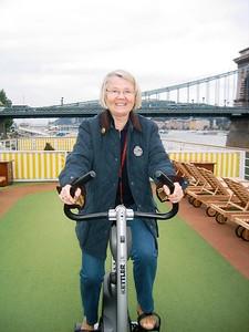 Biking Anke - Livia McCarthy