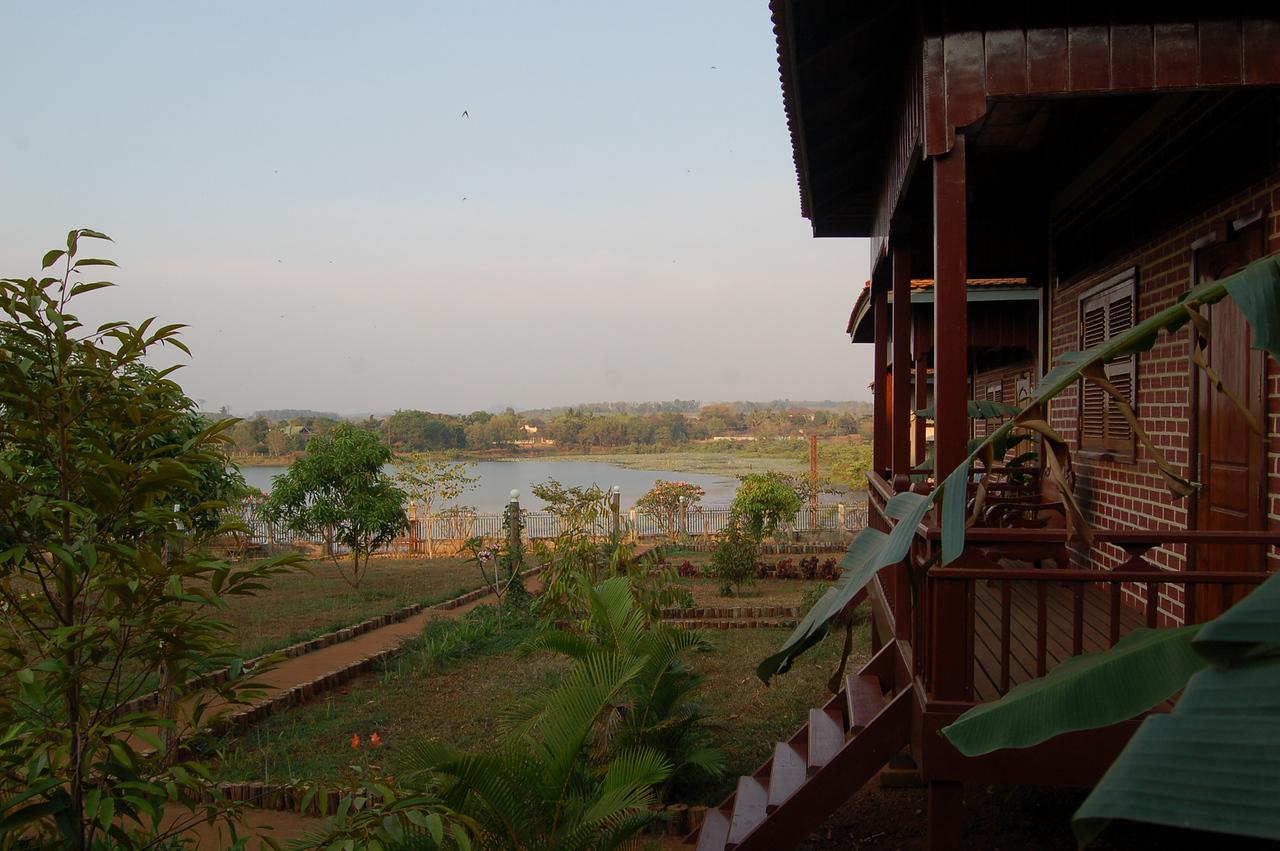 Ban Lung lake