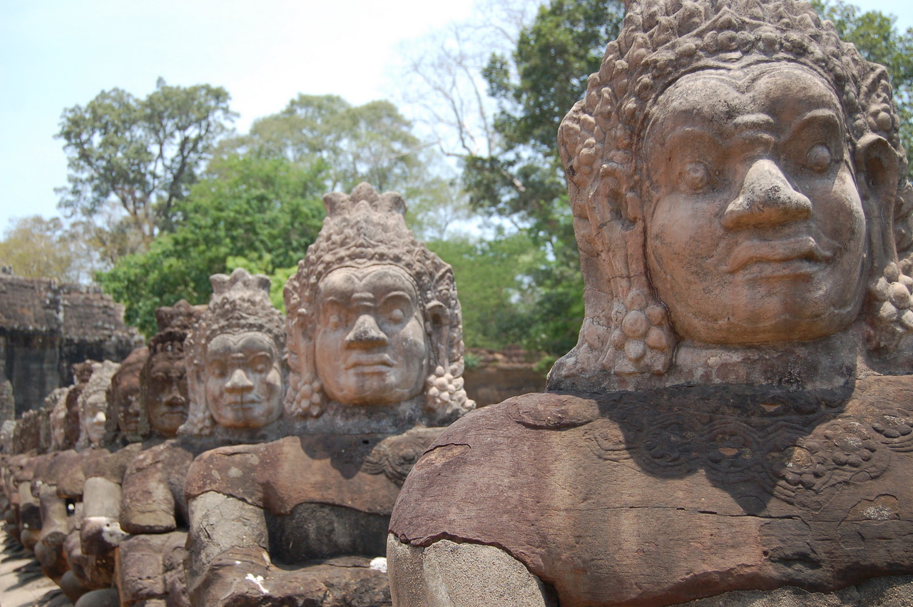 Angkor Thom gate: demons