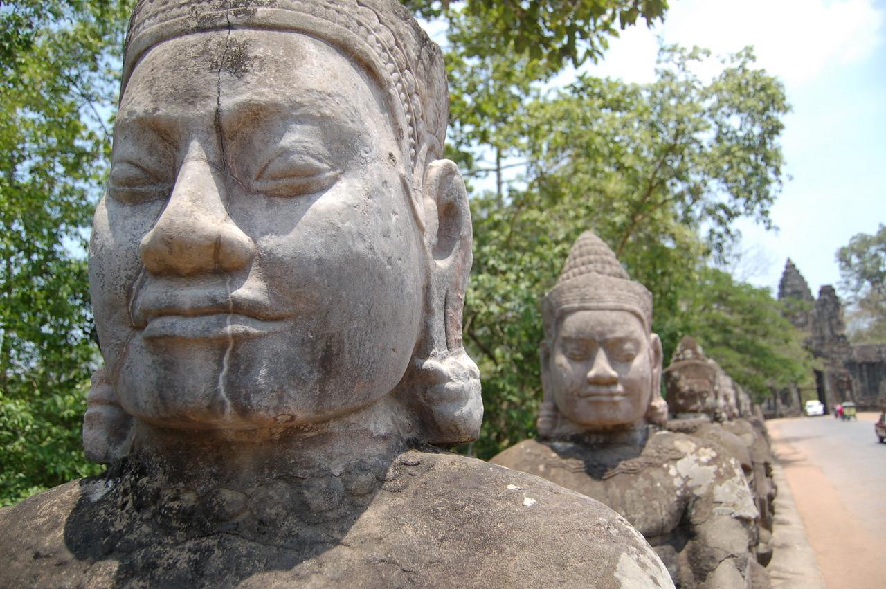 Angkor Thom gate: gods