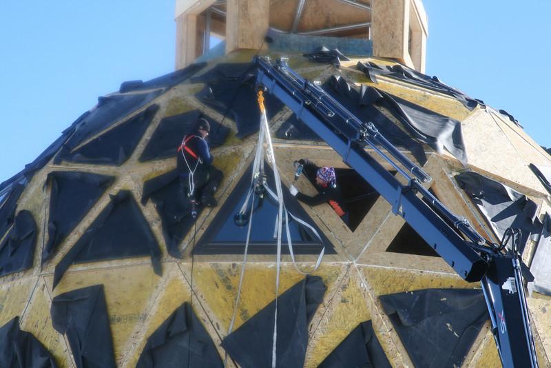Main dome - only surface layer is still lacking.<br /> <br /> Hovedbygningen - nu mangler kun yderste lag <br /> Photo: Dorthe Dahl-Jensen