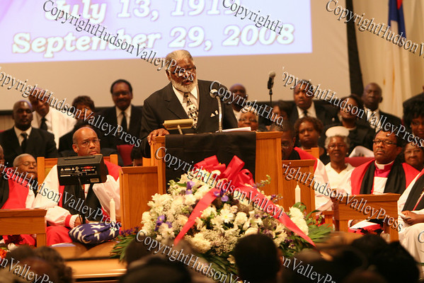 Rev Dr Coleman Briggs pays tribute to his friend of 40 years, Bishop George Johnson, during the funeral service held Monday, October 6, 2008 at Mt. Carmel Church of Christ, Disciples of Christ in the Town of Newburgh