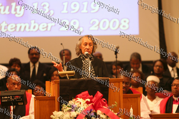 Bishop Johnson's daughter, Laura Elizabeth Edelen, addresses those in attendance for her father's celebration of life service on Monday, October 6, 2008 at Mt. Carmel Church in the Town of Newburgh.