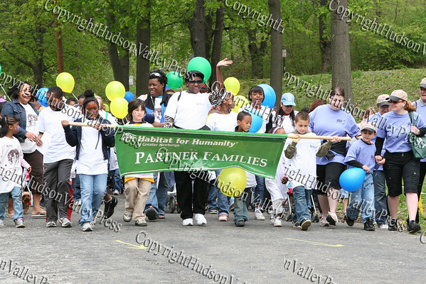 Walkers leave Downing Park for the 5K walk.