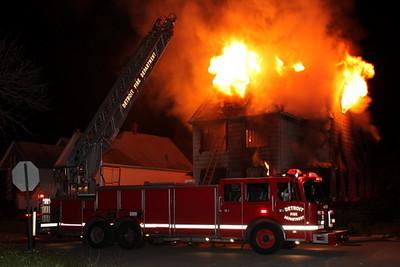 2008_detroit_house_fire_joseph_campau_at_e_ferry_pic-17 (101394198)