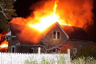2008_detroit_houses_fire_joseph_campau_again-14 (101394038)