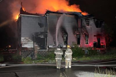 2008_detroit_house_fire_joseph_campau_at_e_ferry_pic-21 (101394167)