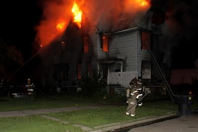 2008_detroit_house_fire_joseph_campau_at_e_ferry_pic-20 (101394166)