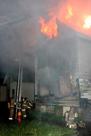 2008_detroit_house_fire_joseph_campau_at_e_ferry_pic-04 (101394150)