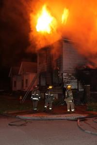 2008_detroit_house_fire_joseph_campau_at_e_ferry_pic-12 (101394158)