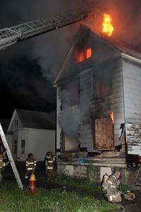 2008_detroit_house_fire_joseph_campau_at_e_ferry_pic-03 (101394149)