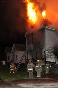 2008_detroit_house_fire_joseph_campau_at_e_ferry_pic-09 (101394155)