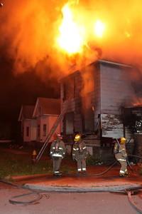 2008_detroit_house_fire_joseph_campau_at_e_ferry_pic-11 (101394157)