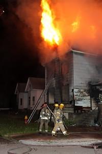2008_detroit_house_fire_joseph_campau_at_e_ferry_pic-10 (101394156)