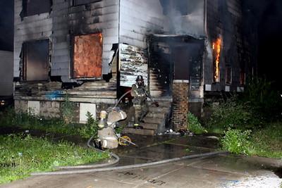 2008_detroit_house_fire_joseph_campau_at_e_ferry_pic-02 (101394148)