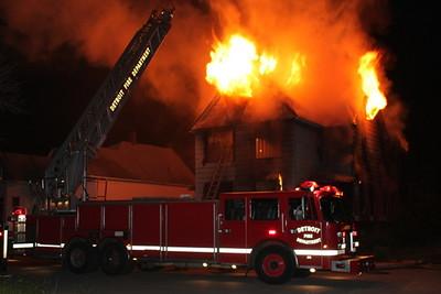 2008_detroit_house_fire_joseph_campau_at_e_ferry_pic-16 (101394162)