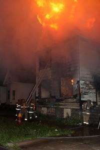 2008_detroit_house_fire_joseph_campau_at_e_ferry_pic-05 (101394151)