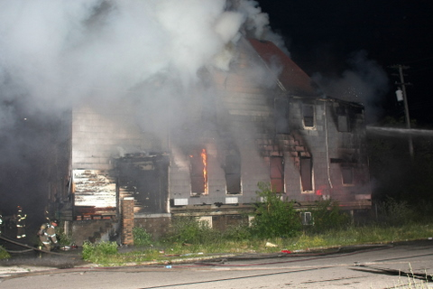 2008_detroit_house_fire_joseph_campau_at_e_ferry_pic-00 (101394146)
