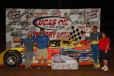 Shane Clanton and crew in Victory Lane