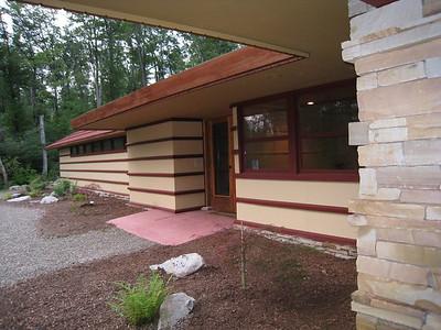 Duncan House: entrance