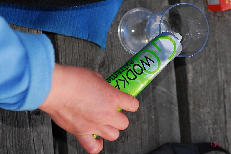 Ny friluftsprodukt, drink på tub.