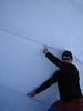 Ofan miðlínunnar og neðan var svo vindpakkaður snjór sem maður hefði metið mjög stöðugan.<br /> Hver tekur snjóflóðaprófílinn sinn niður í snjóinn um 250 cm? Þarna hefðu margir klikkað á matinu sínu.