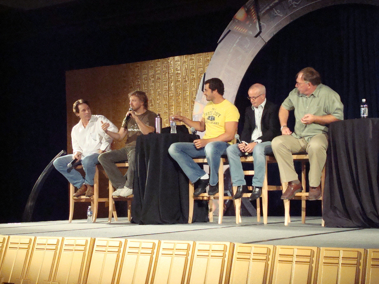 Garwin Sanford (Narim, Simon Wallis), Alex Zahara (a bunch of different Stargate characters), Dan Payne (Super Soldier, Wraith Warrior), Gary Jones (Sgt. Walter Davis/Harriman), Gary Chalk (Colonel Chekhov)