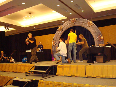 Auction. Richard Dean Anderson, Garwin Sanford (Narim, Simon Wallis), Dan Payne (Super Soldier, Wraith Warrior), Alex Zahara (a bunch of different Stargate characters)