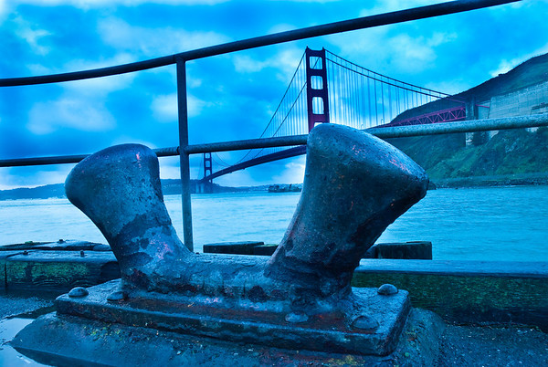 Big pilons on the pier in front of the SF Golden Gate Bridge. This came out a bit too blue, but it's not a white balance issue. I just gave up with editing this because I got tired.