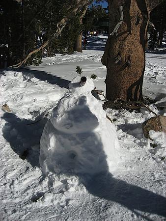 Alicia and Abbey's snowman