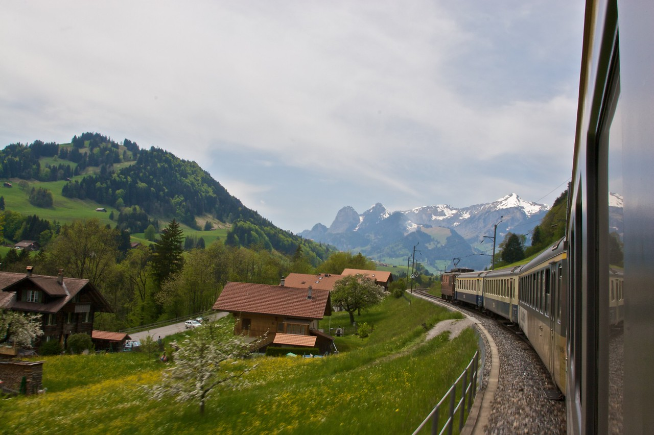 My train wends its way along the line from Interlaken to Zweisimmen.