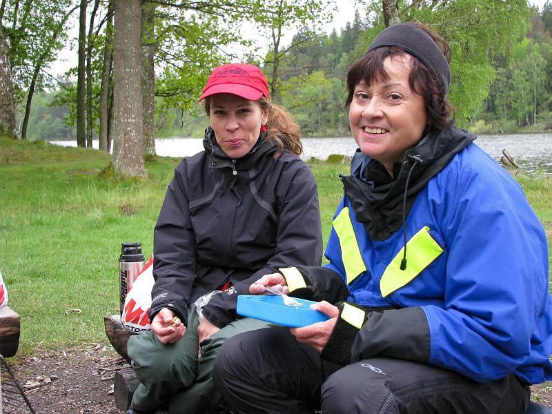 Johanna och Åsa vid lunchen