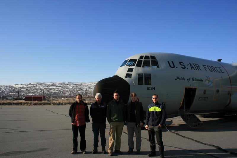 Put-in team ready in Kangerlussuaq.<br /> <br /> Årets første hold i lejren er klar i Kangerlussuaq<br /> Photo: Sebastian Bjerregaard Simonsen