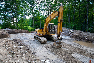 Here you go guys - backhoe pictures!